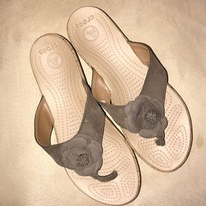 Crocs Floral  A-Leigh Wedge Flip Sandal